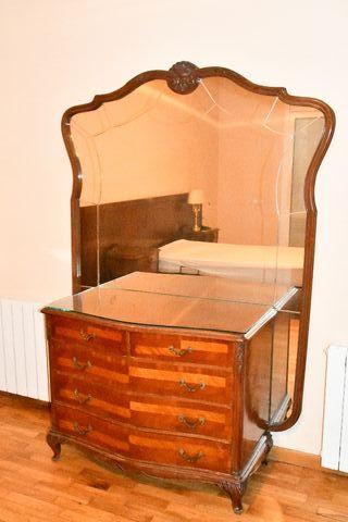Mueble tocador 65 años de antigüedad.
