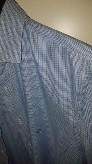 Camisa Calvin Klein talla M/L. Una 40