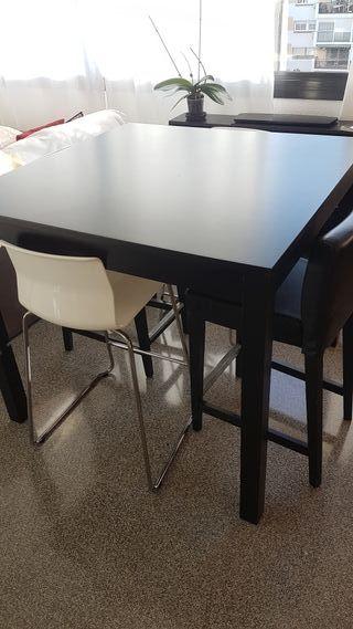 mesa alta y banquetas