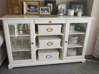 Mueble aparador salón Liatorp Ikea