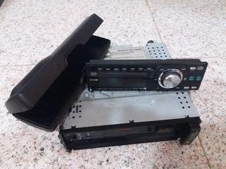 Radio cd extraíble para coche. Funciona perfectame