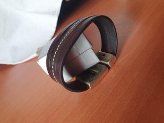 Pulsera de cuero con cierre magnético