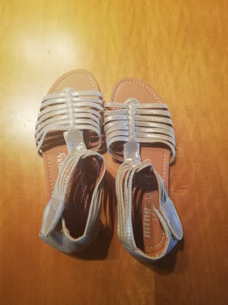 Sandalias de mujer a estrenar