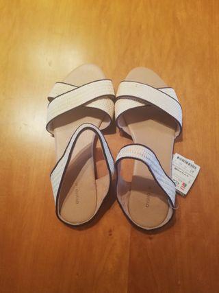 Zapato de mujer (Sandalias)