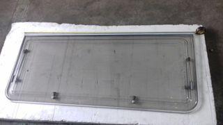 ventana de caravana en buen estado