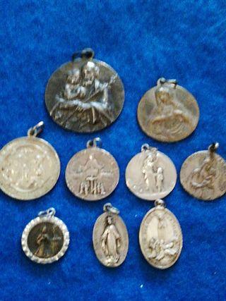 Lote de antiguas medallas religiosas