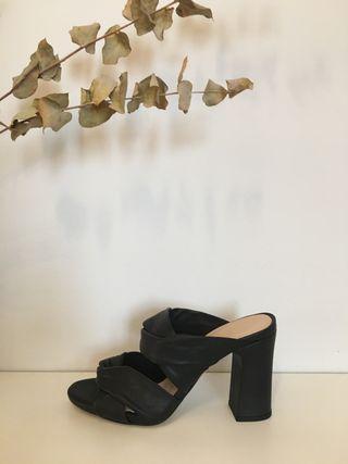 Sandalias de piel Unisa
