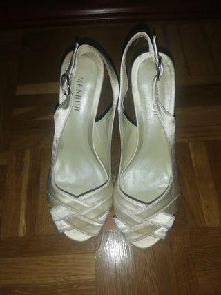 zapatos de novia nuevo