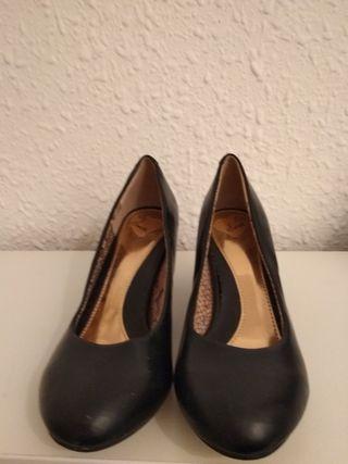 zapatos negros de piel talla 38 nuevos