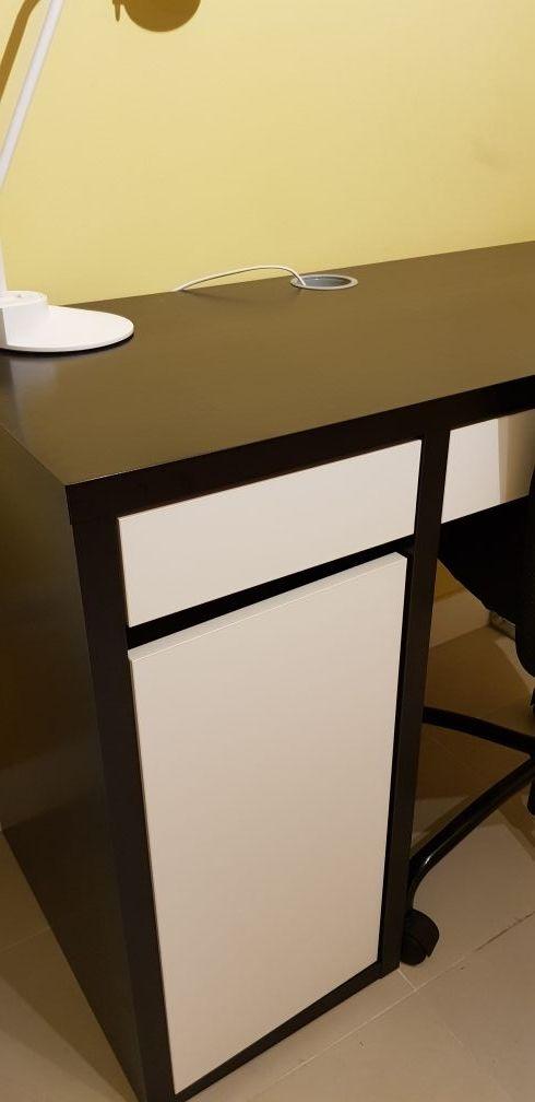 mesa de estudio / despacho con cajón y puerta