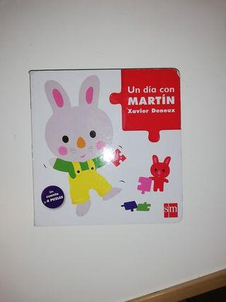 LIBRO INFANTIL Un día con Martín. con puzzles