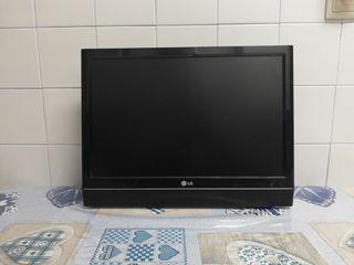 TV LG 24''+ soporte de pared y mando a distancia.