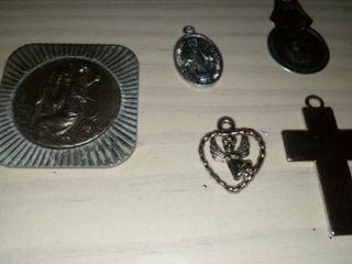 medallas religiosas.