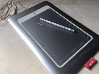 Tableta gráfica Wacom Bamboo Fun M CTH-661