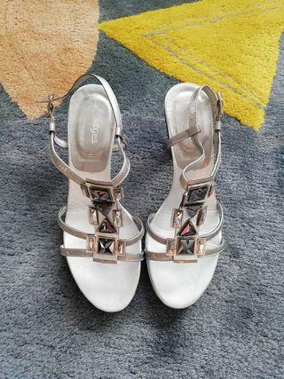 zapatos tacón número 38 marca SITGES