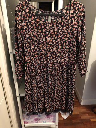 Vestido flores Pull&Bear