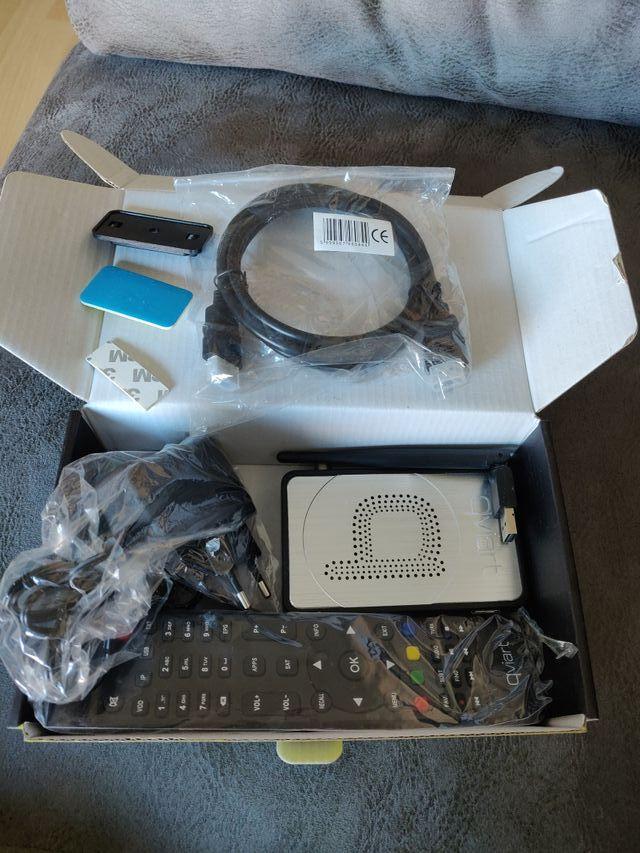 Receptor satélite qviart mini 2 con cable HDMI