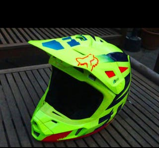 Casco fox v2