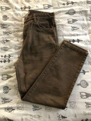 Pantalón vaquero marrón (hombre)