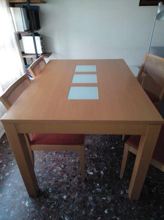 Mesa comedor NUEVA + 4 sillas