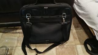 bolso piel negro piquadro portatil