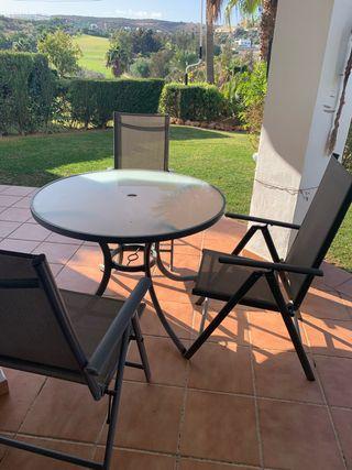 Mesa con 3 sillas del jardín URGENTE