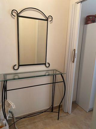 Se vende recibidor con espejo