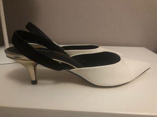 Zapatos tacón bajo blancos