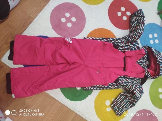conjunto de ropa de esqui
