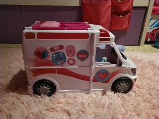 Barbie Ambulancia