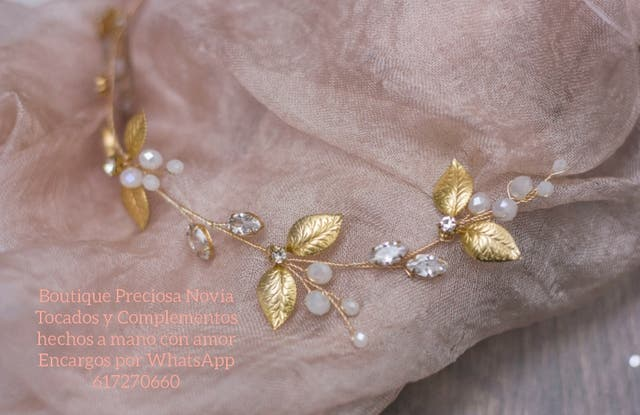 Muy fina y bonita Tiara de novia ,madrina , dorado