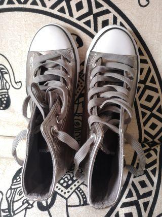 Zapatos plateados