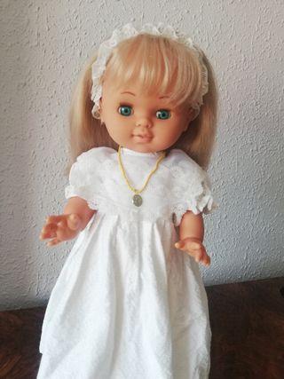 muñeca de comunión de los años 70