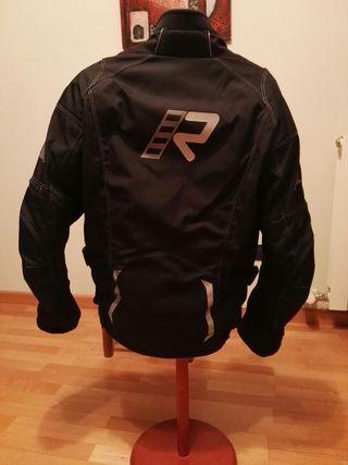 chaqueta goretex marca Rukka