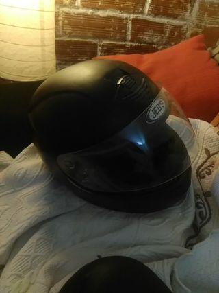casco de moto negro jeb`s