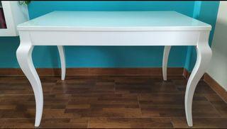 Mesa y sillas de diseño extensible
