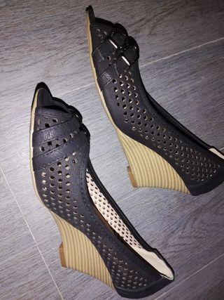 zapatos de cuña de madera