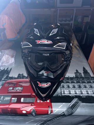 Casco de moto de campo