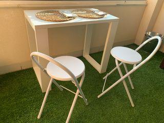 Mesa + 2 sillas plegables
