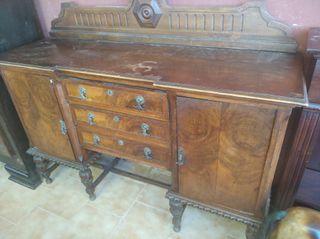 mueble antiguo restaurado