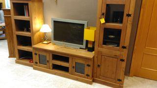 Muebles salón madera