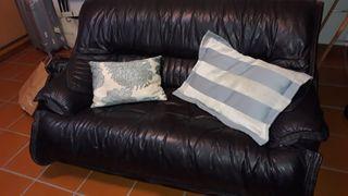 sofá piel de vaca nuevo, negro, dos Plazas, 150 €