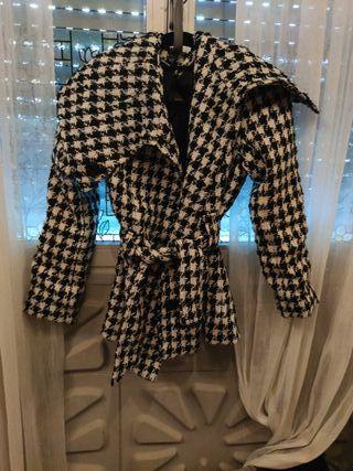 abrigo con cinturón lana virgen
