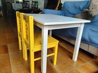 Mesa infantil y sillas niños