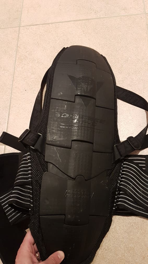 protector espalda + faja Dainese