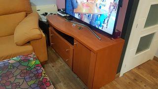 Mueble bajo para tv.