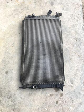 Radiador de agua Ford focus 3m5h8005tl