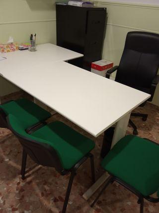 Mesa para oficina de segunda mano en Sevilla en WALLAPOP