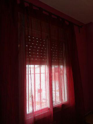 Cortina roja.