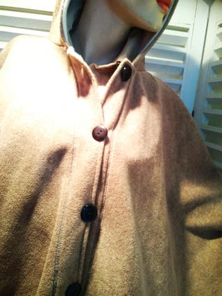 Capa beige de forro polar